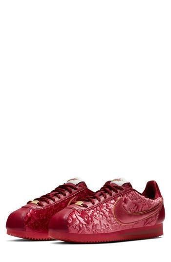 Classic Cortez Se Sneaker, Red/ Metallic Gold/ Summit