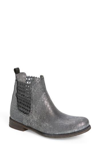 Bos. & Co. Flicker Boot, Black