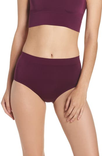 Women's Wacoal B Smooth Briefs, Size Small - Burgundy
