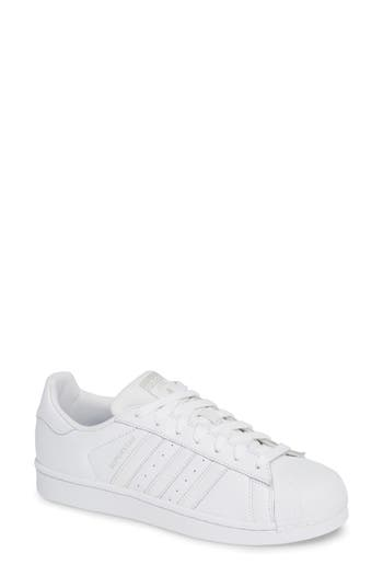 Adidas Women'S Superstar Glossy Toe Ftw White / Core Black Ankle-High Fashion Sneaker - 10M