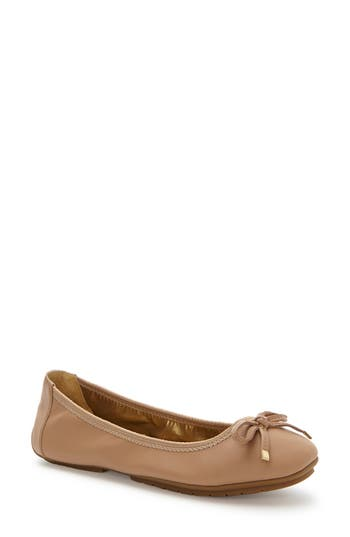 Women's Me Too 'Halle 2.0' Ballet Flat, Size 5 M - Brown