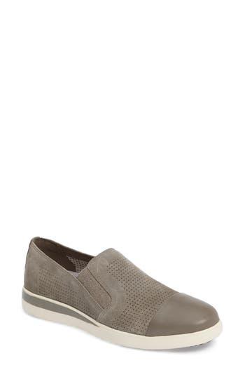 Women's Ed Ellen Degeneres Aviana Cap Toe Slip-On Sneaker