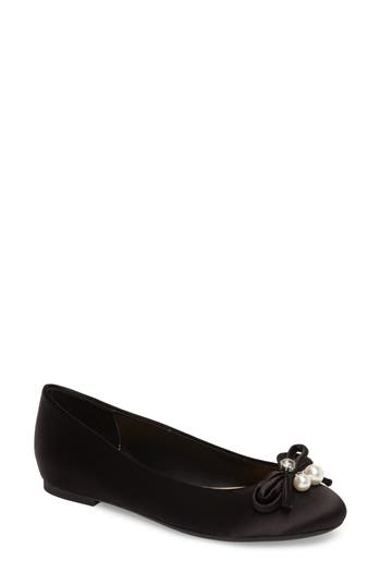 Women's Jewel Badgley Mischka Adeline Bow Flat, Size 5.5 M - Black