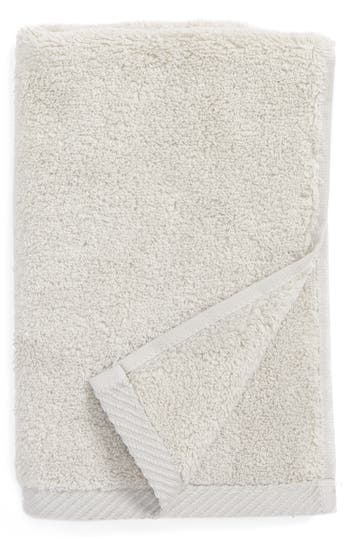 Matouk Milagro Fingertip Towel, Size One Size - Metallic