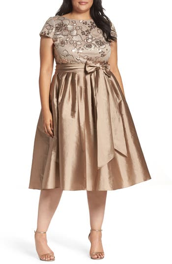 Plus Size Vintage Dresses, Plus Size Retro Dresses Plus Size Womens Adrianna Papell Embellished Bodice Party Dress $199.00 AT vintagedancer.com