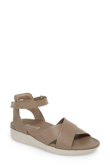 Women's Munro Brinn Sandal, Size 10 SS - Beige