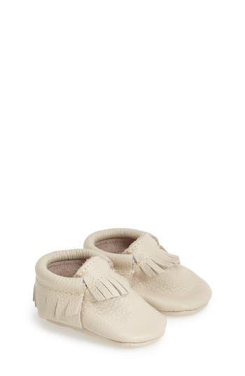 Infant Freshly Picked Classic Moccasin, Size 4 M - White