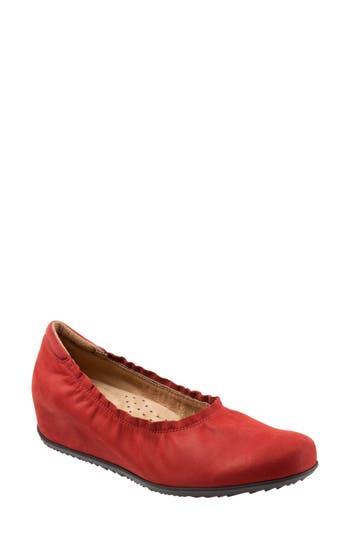 Softwalk Wish Ballet Wedge(Women), Red