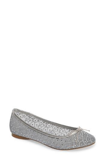 Vintage Style Wedding Shoes, Boots, Flats, Heels Womens Adrianna Papell Natalia Ballet Flat Size 10 M - Metallic $99.95 AT vintagedancer.com