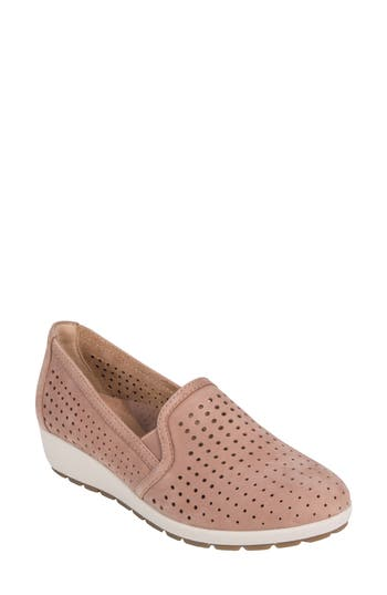Earth Juniper Perforated Slip-On Wedge, Pink
