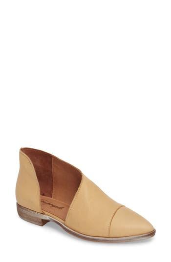 Women's Free People 'Royale' Pointy Toe Flat, Size 9-9.5US / 40EU - Brown