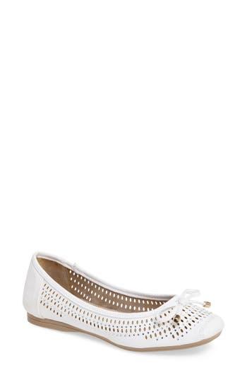 Women's J. Renee Valeria Bow Flat, Size 9.5 B - White