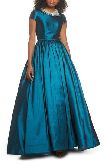 What Did Women Wear in the 1950s? 1950s Fashion Guide Womens MAC Duggal Embellished Collar Taffeta Ballgown $498.00 AT vintagedancer.com