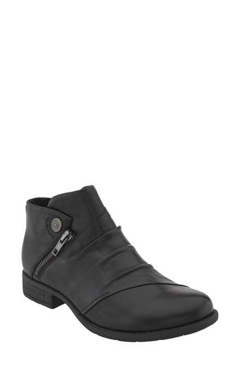 Earth Ronan Bootie- Black